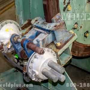 12500 lb Komatsu Welding Headstock