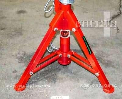 B & B 2500 lb V-Head Folding Pipe Stand