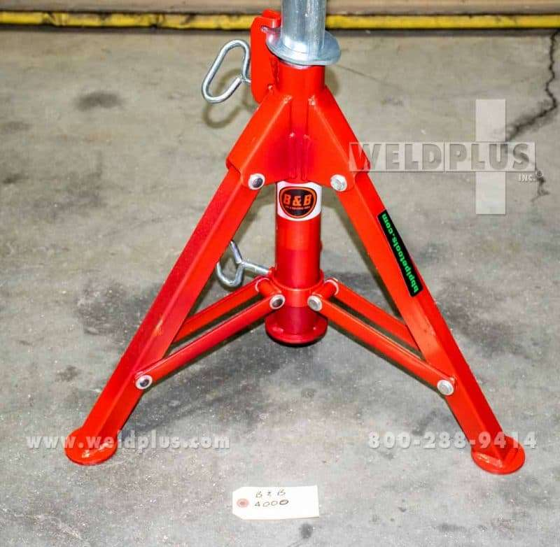 B & B 2,500 lb. V-Head Folding Pipe Stand